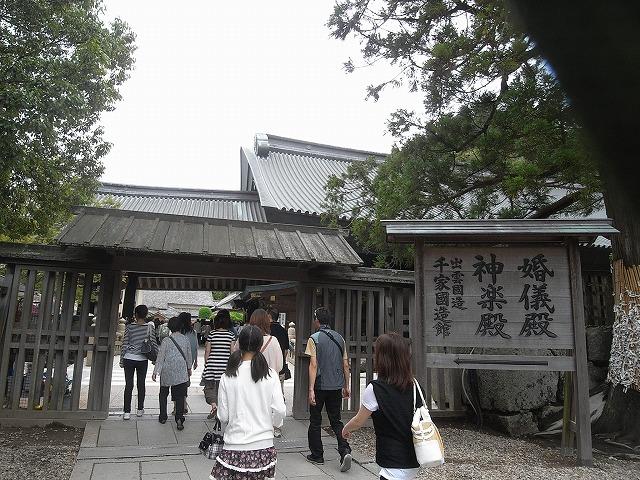 神楽殿への入り口