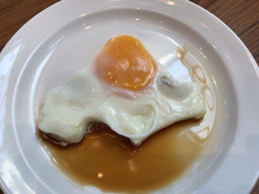 北海道の形の目玉焼き